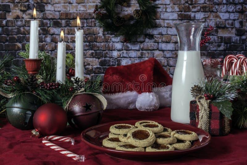 Печенья и молоко рождества для Санта стоковое изображение