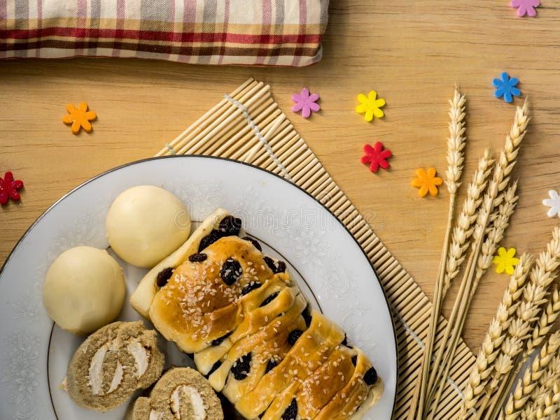 Печенья и хлебопекарня домодельные на славный день стоковые изображения rf
