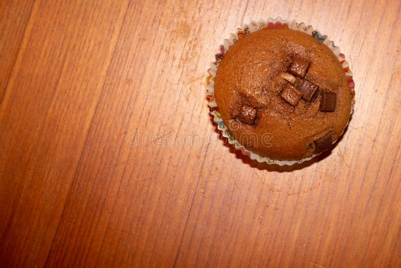 Красивые свежие ручной работы печенья обломока шоколада стоковая фотография rf