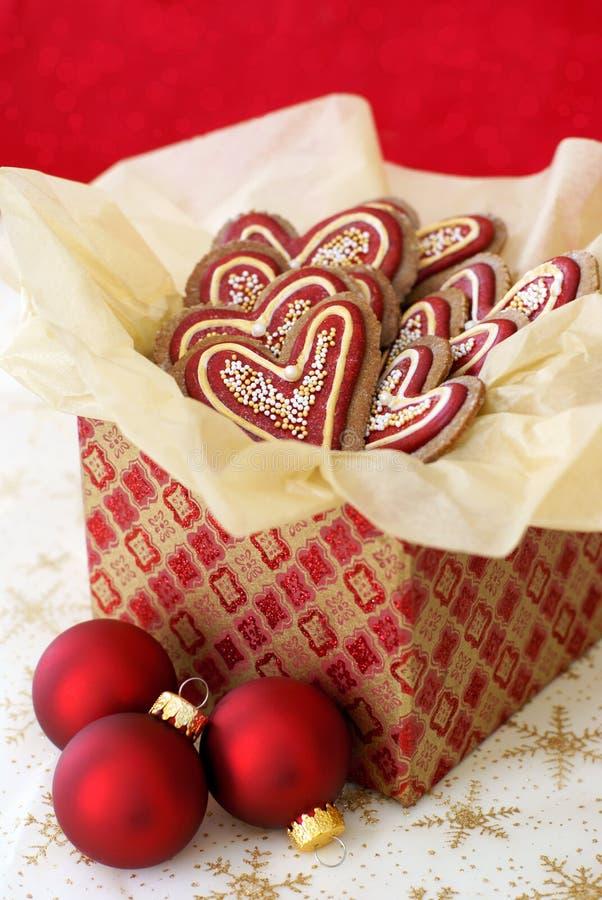 Печенья Кристмас в giftbox стоковые изображения rf