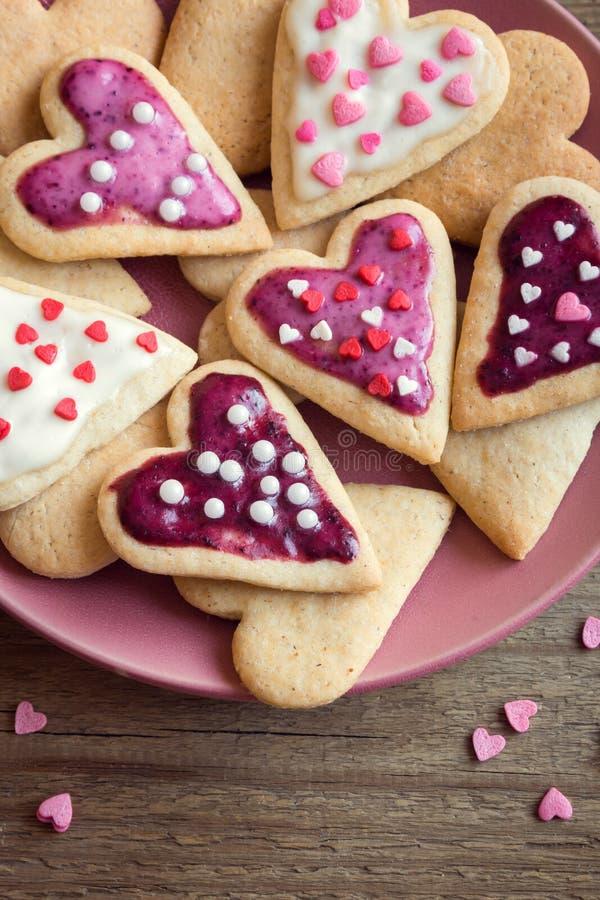 Печенья на день ` s валентинки стоковые фотографии rf