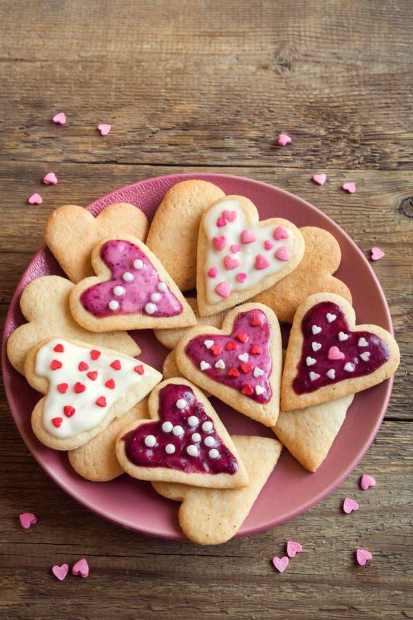 Печенья на день ` s валентинки стоковое изображение