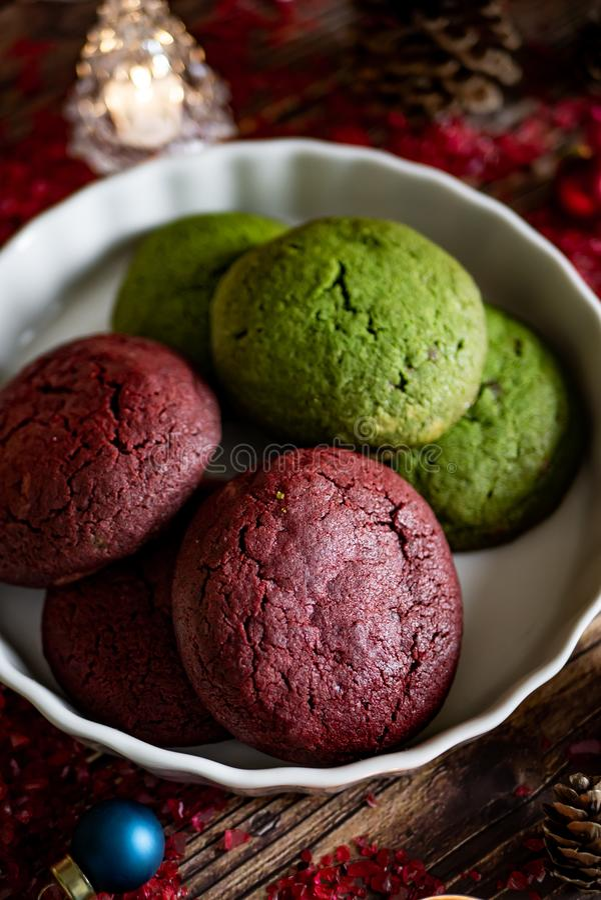 Печенья рождества и зимних отдыхов красные и зеленые установили с Chr стоковые изображения