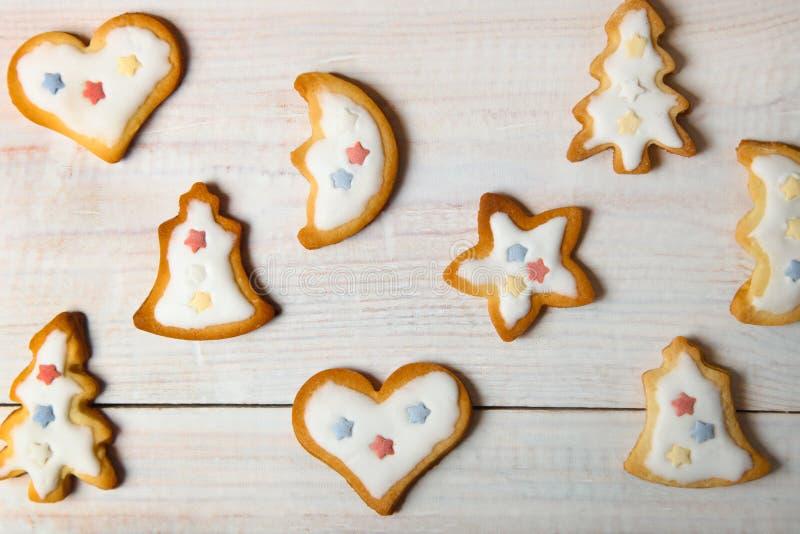 Печенья рождества с белой поливой стоковое фото rf