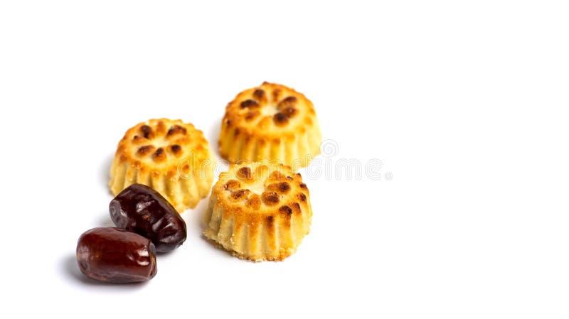 Печенья с датами изолированными на белизне стоковые изображения rf