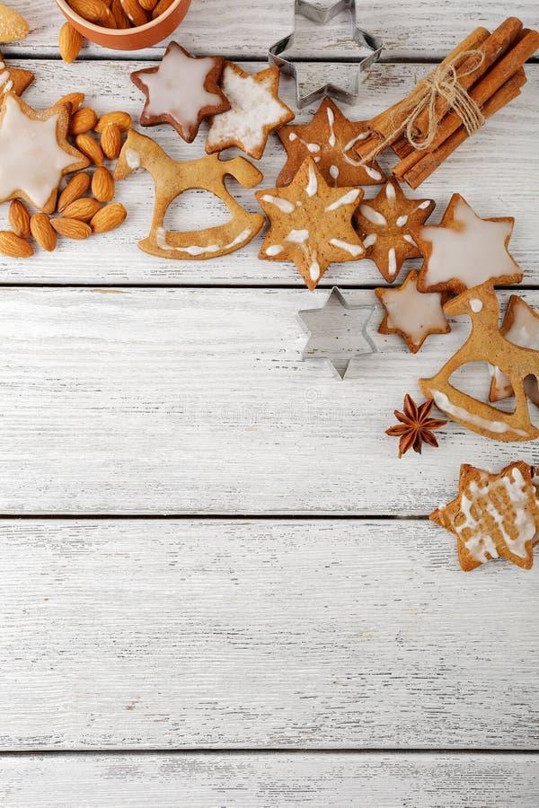 Печенья Xmas сладостные на досках стоковое фото rf