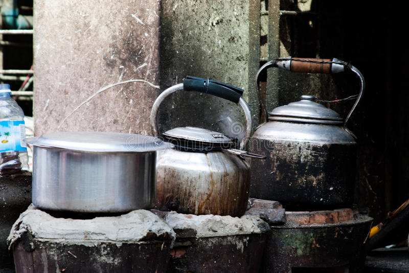 печка баков чайников стоковые изображения rf