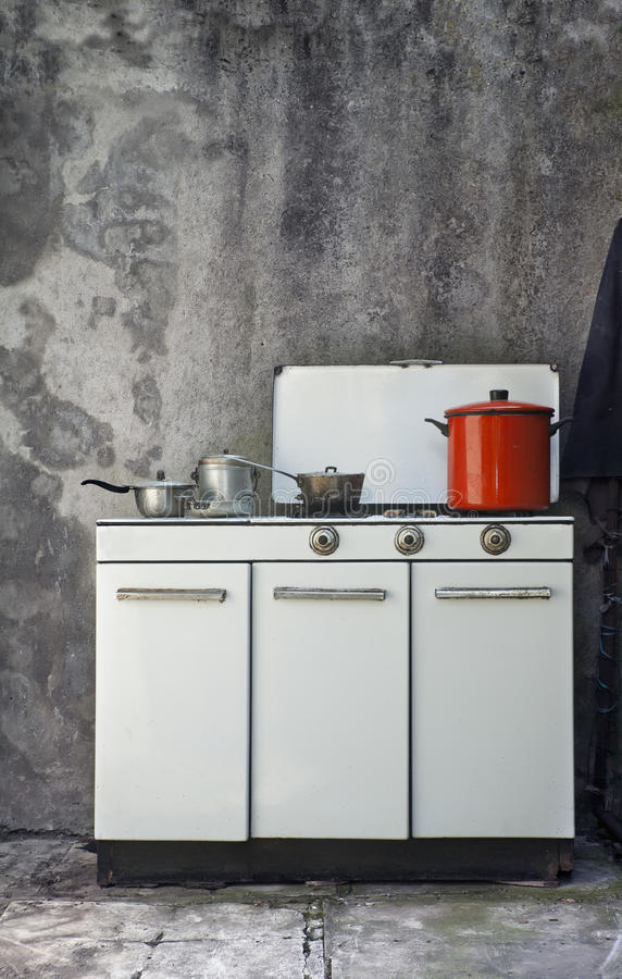 печка газа старая стоковое фото rf