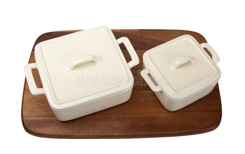 печка 2 баков кухни доски керамическая деревянная стоковое изображение rf