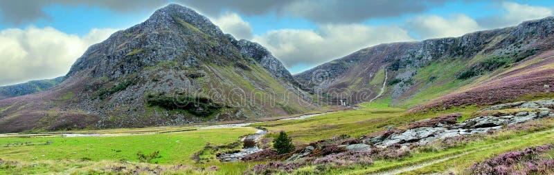 Пешая тропа в горах Cairngorm, Шотландия, Великобритания стоковые изображения