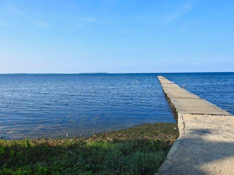 пешеходный мост в море стоковое фото rf