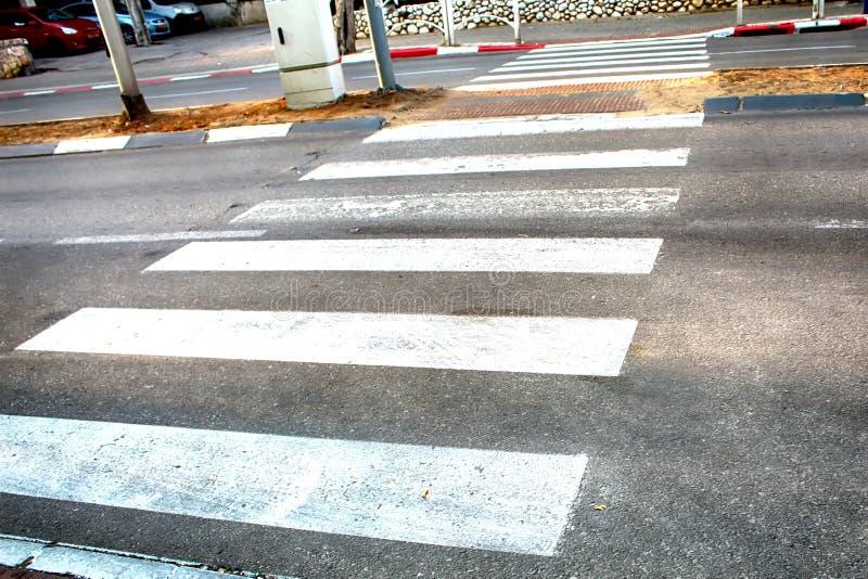 Пешеходный переход линии зебры в Израиле стоковые фотографии rf