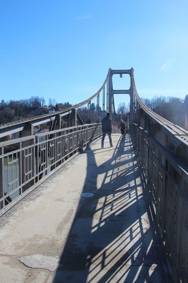 Пешеходный стальной мост Innsteg в Passau, Баварии, Германии стоковое фото rf