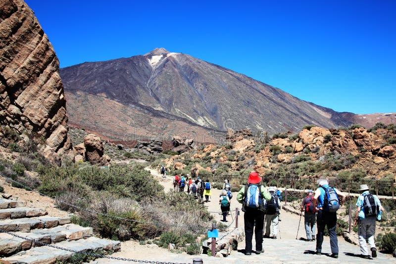 Пеший туризм на Pico de Teide, Тенерифе стоковое изображение rf