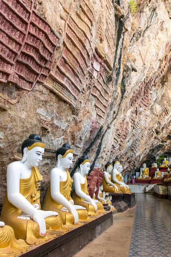 Пещера чокнутого Kaw около Hpa-An в Мьянме Бирме стоковое фото