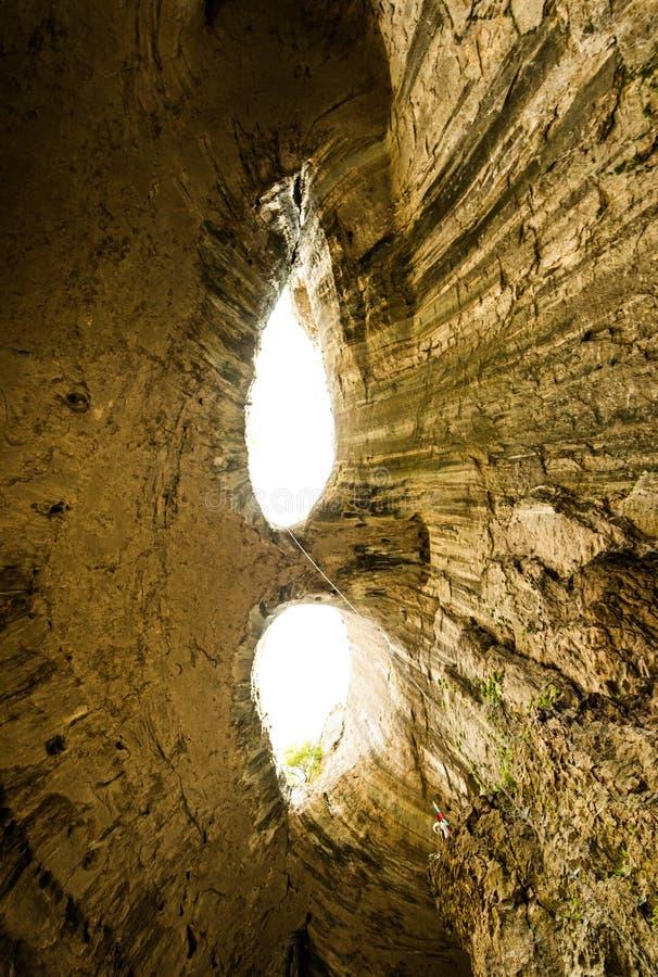 Пещера Prohodna, Karlukovo, Болгария стоковое изображение
