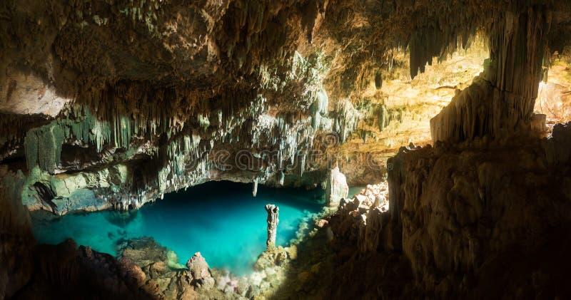 Пещера Rangko в острове Flores, Labuan Bajo стоковые фотографии rf