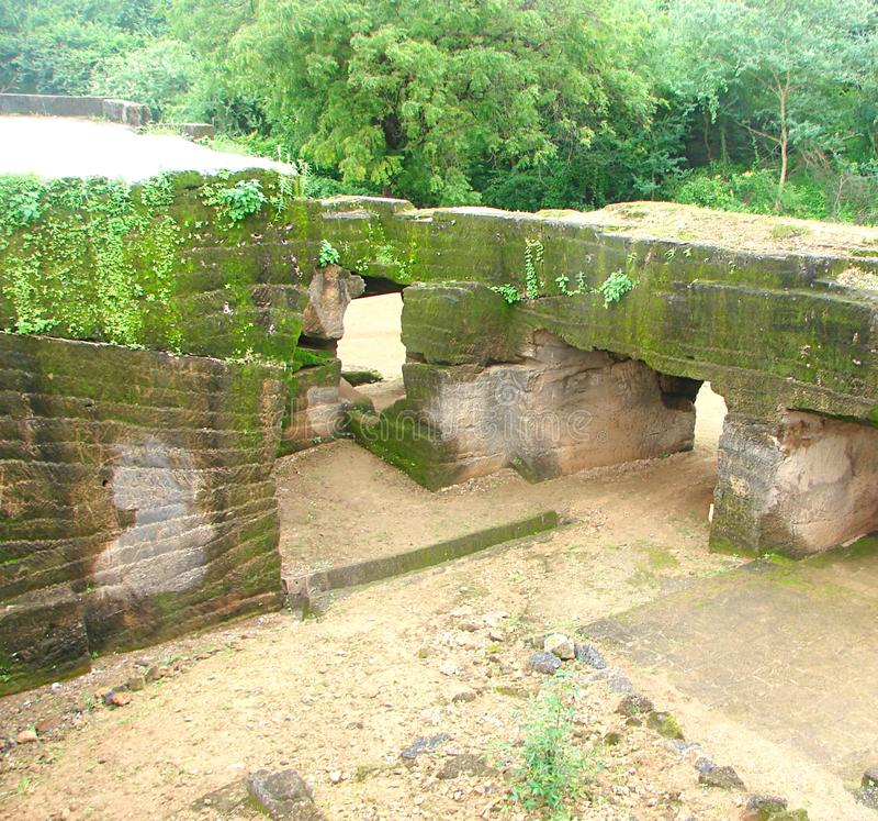 Пещеры буддиста Khambhalida стоковые изображения