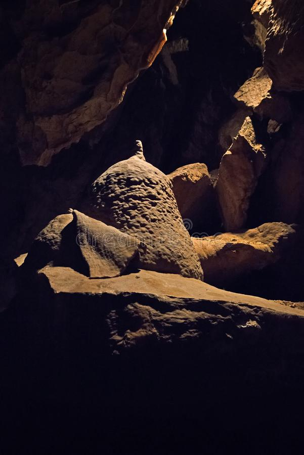 Пещеры доломита Bozkov самая длинная система пещеры в чехии которую создаются в доломитах стоковые изображения