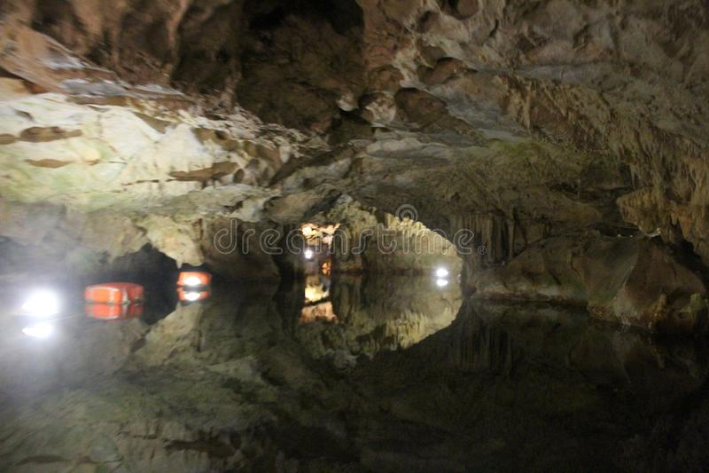 , Пещеры Diros, Греции стоковые фотографии rf