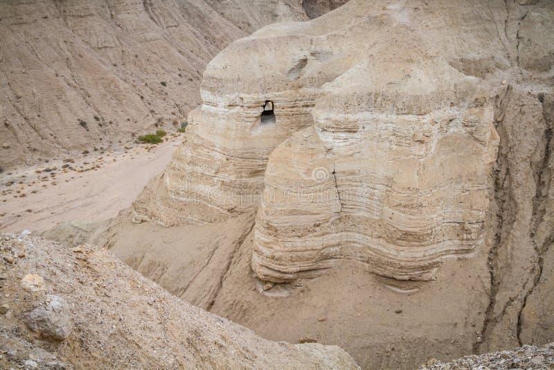 Пещеры Qumran в пустыне Judaean, Израиле стоковые изображения rf