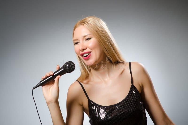 пея женщина стоковые фото