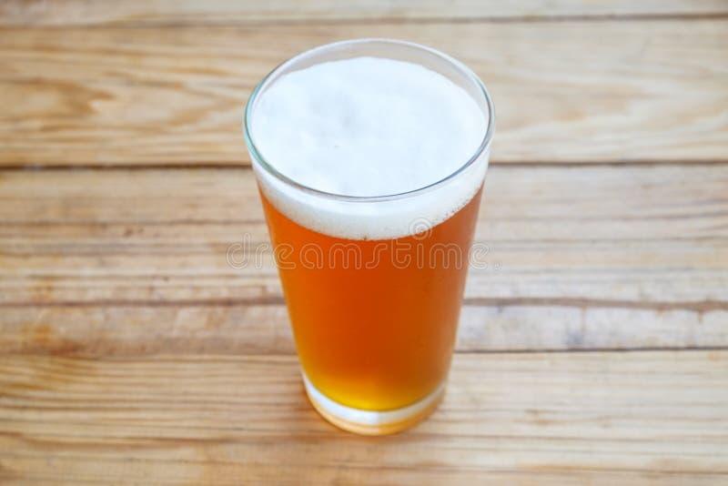 Пиво ремесла в стекле стоковые изображения
