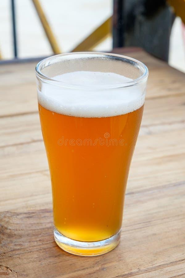 Пиво ремесла в стекле стоковая фотография