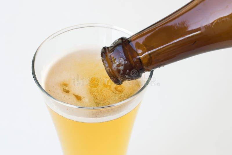 Download пиво стоковое изображение. изображение насчитывающей сок - 1197417