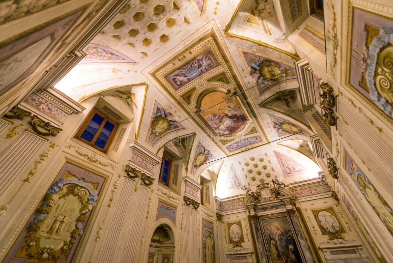 ПИЗА, ИТАЛИЯ - 16-ОЕ МАЯ 2015: Интерьер Calci Charterhouse _ стоковое изображение rf