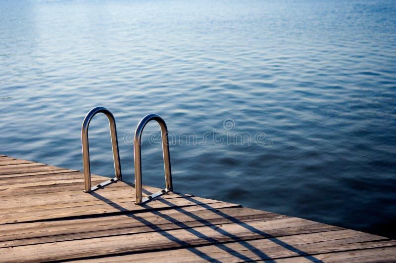 Download пикирование стоковое фото. изображение насчитывающей заплывание - 1194958