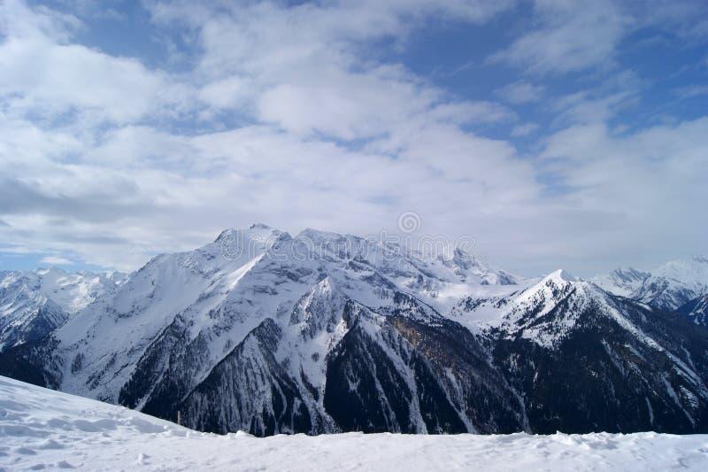 пики гор горы caucasus dombay стоковое изображение