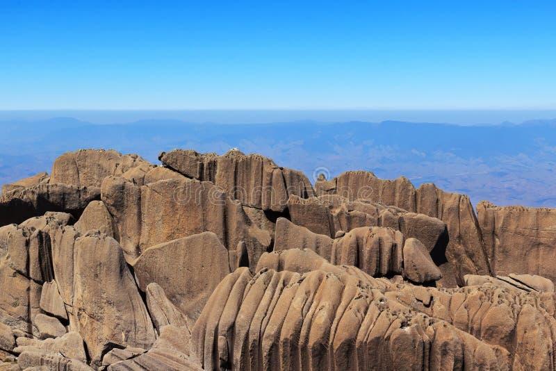 Пиковая гора Agulhas Negras (черных игл), парк Itatiaia, Br стоковое изображение