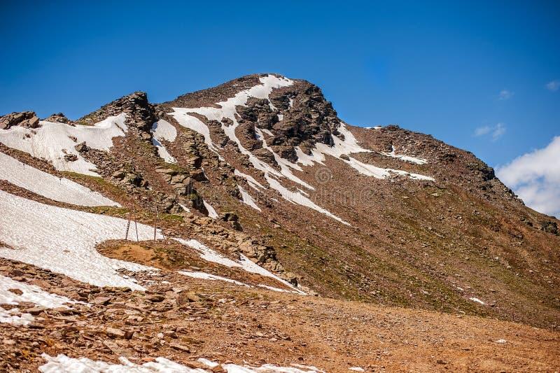 Пик держателя Cheget - около 3000-3050 m стоковые изображения rf
