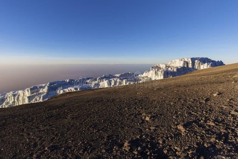 Пик Килиманджаро Uhuru стоковое фото rf