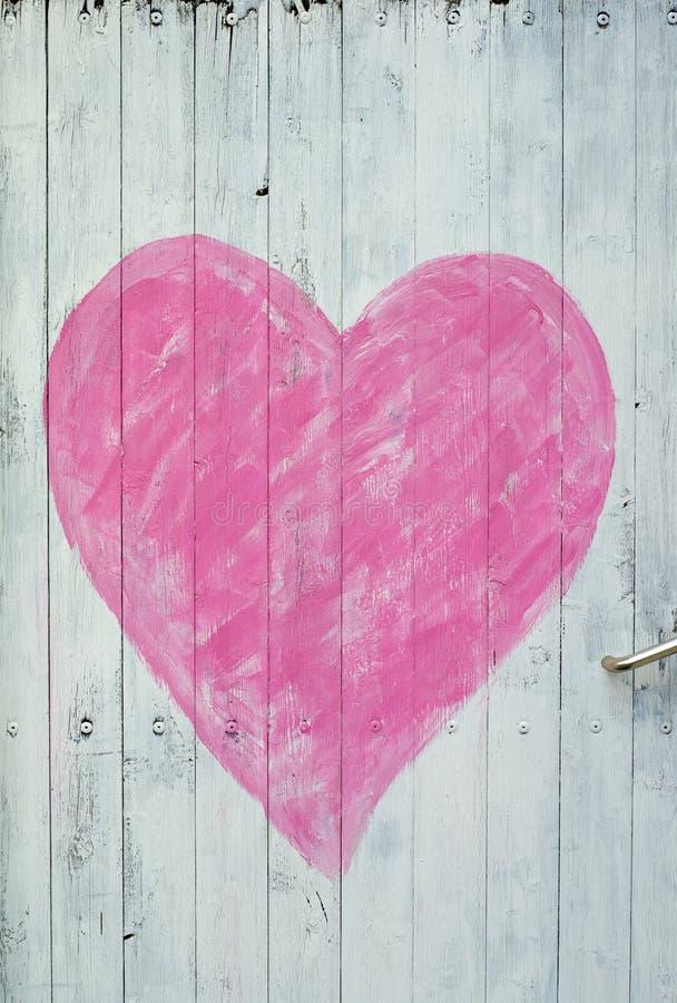 пинк сердца двери деревянный стоковые фотографии rf