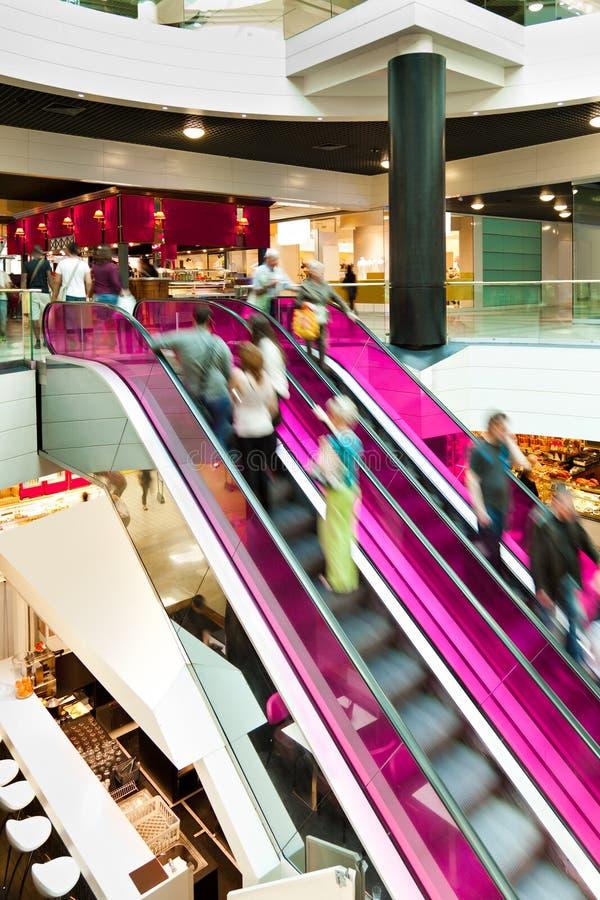 пинк эскалатора стоковое изображение rf