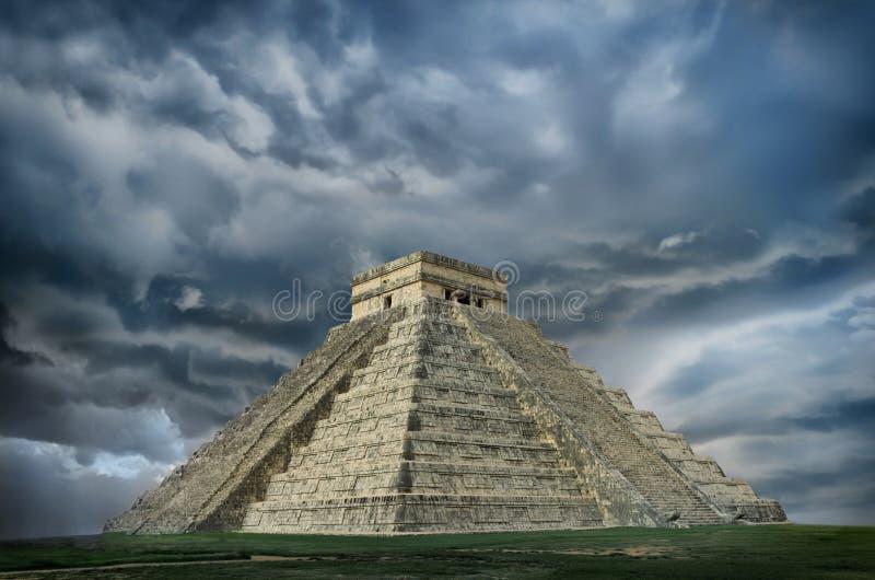 Пирамида в Chichen Itza, Юкатане, Мексике стоковые фото
