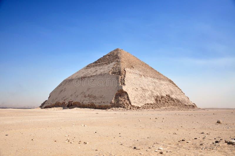 Пирамида Sneferu Dahshur в Каире построена для фараона стоковые фотографии rf