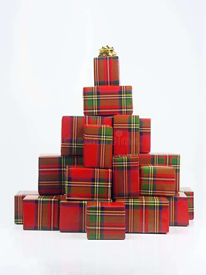 пирамидка подарков на рождество стоковое изображение
