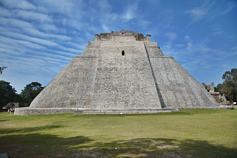 Пирамида волшебника, Uxmal, полуострова Юкатан, Мексики стоковая фотография rf