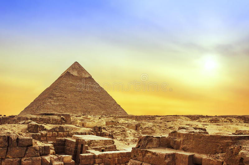 Пирамида Гизы на заходе солнца стоковое фото