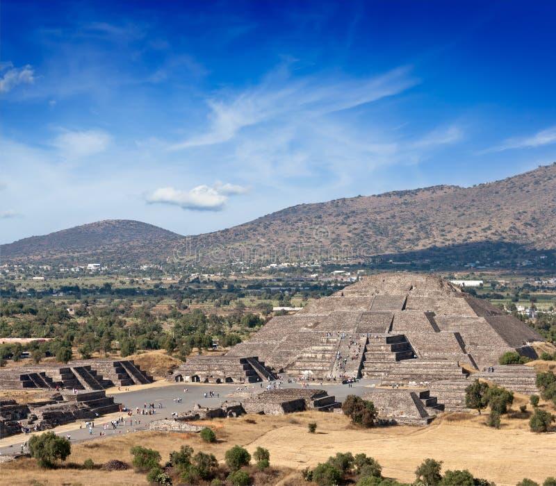Download Пирамида луны. Teotihuacan, Мексика Стоковое Изображение - изображение насчитывающей руина, луна: 33738035
