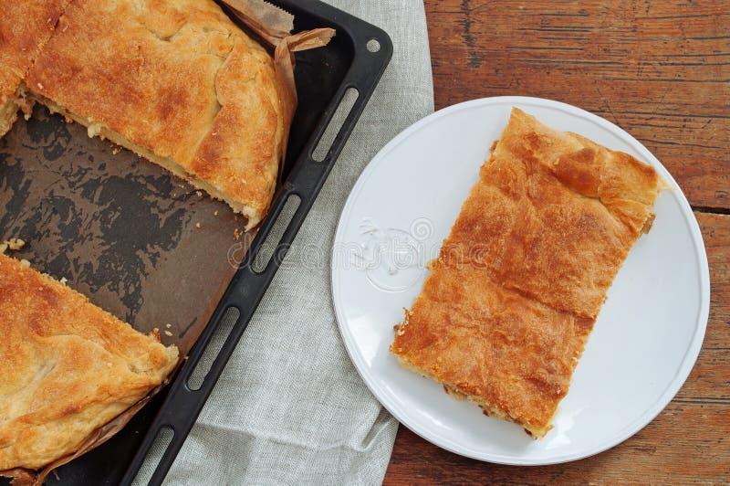 Пирог бака масла с картошками закрывает вверх стоковое изображение rf