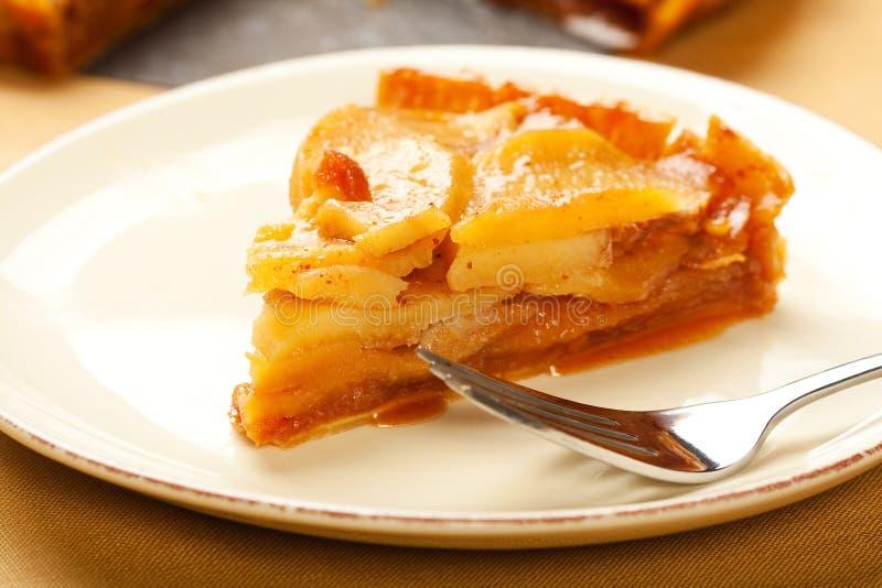пирог ломтика карамельки яблока стоковые изображения