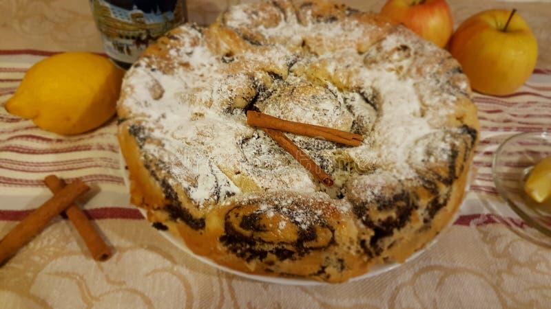 Пирог с маком стоковые фотографии rf