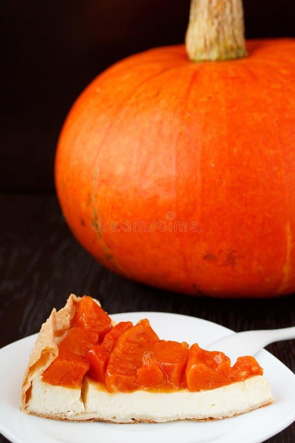 Пирог с плавленым сыром тыквы и. стоковая фотография