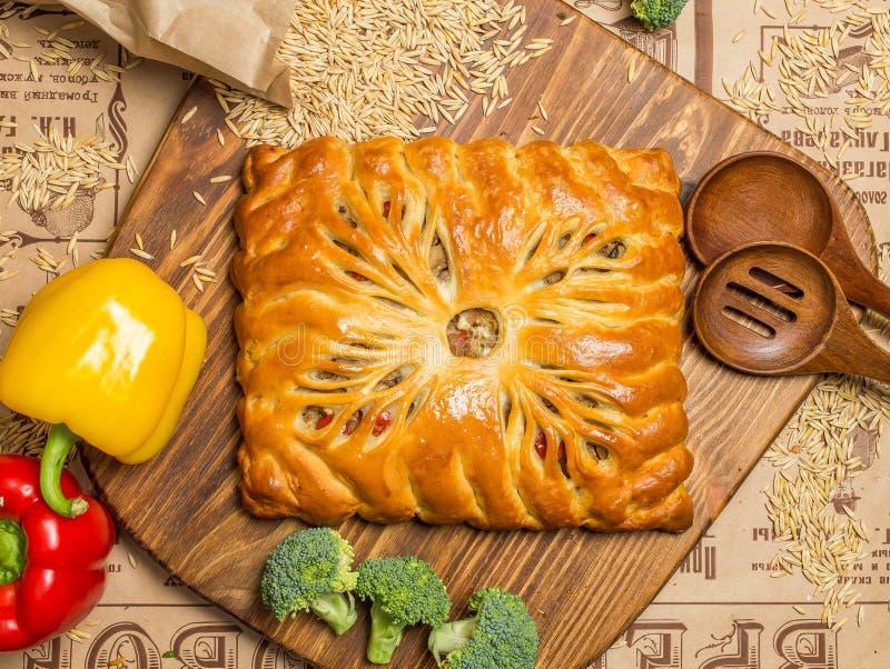 Пирог с луками и яичками стоковые изображения rf