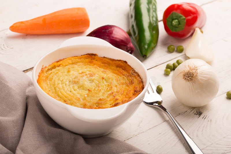 Пирог чабана с картошкой стоковые изображения