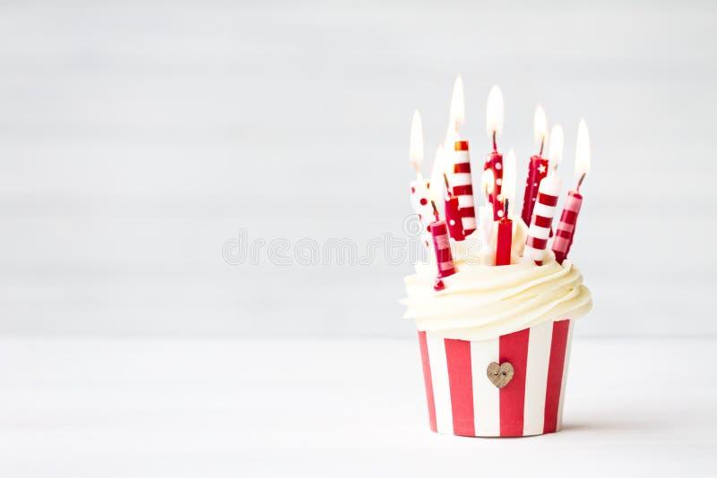 Пирожное дня рождения стоковое фото rf
